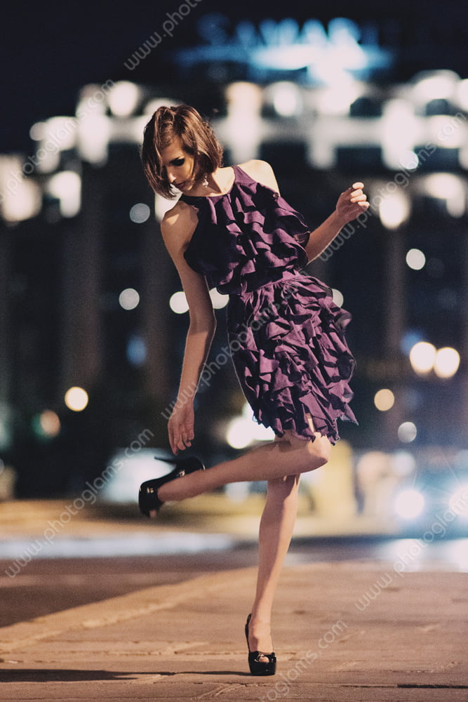 Example of fashion shot of a English model in Paris